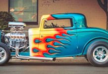Amazing Metal Paint Colored Old Timer Car Pictures
