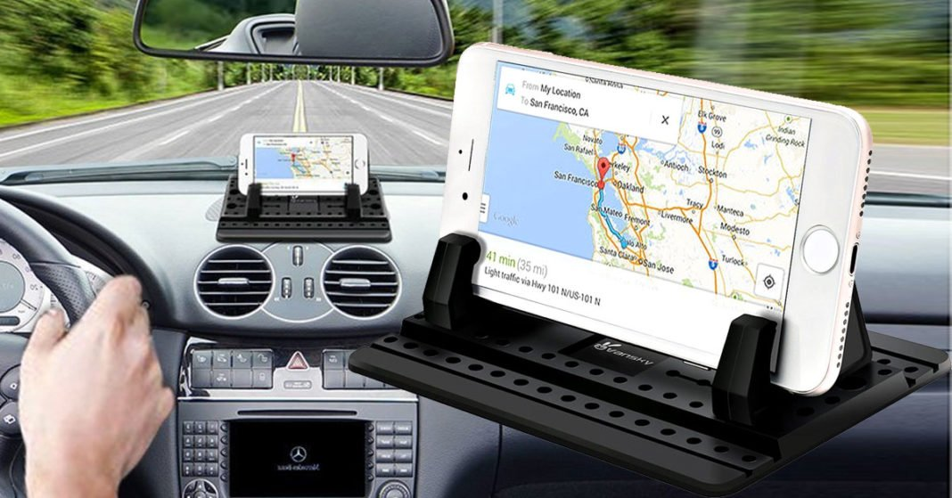 A New Adjustable Car Phone Holder Mount Pad With Silicone Dashboard