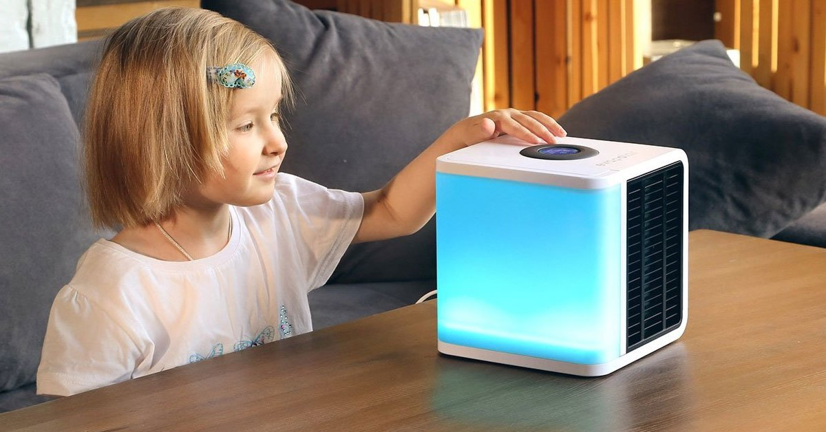 Very Small Personal Fans : A very small portable air conditioner you can take