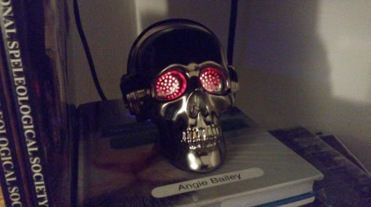 Wireless Skull Speaker With Led Lights In The Eyes