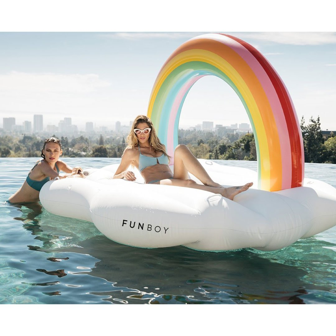 6 Amazing Giant Inflatable Pool Floats You Will Love