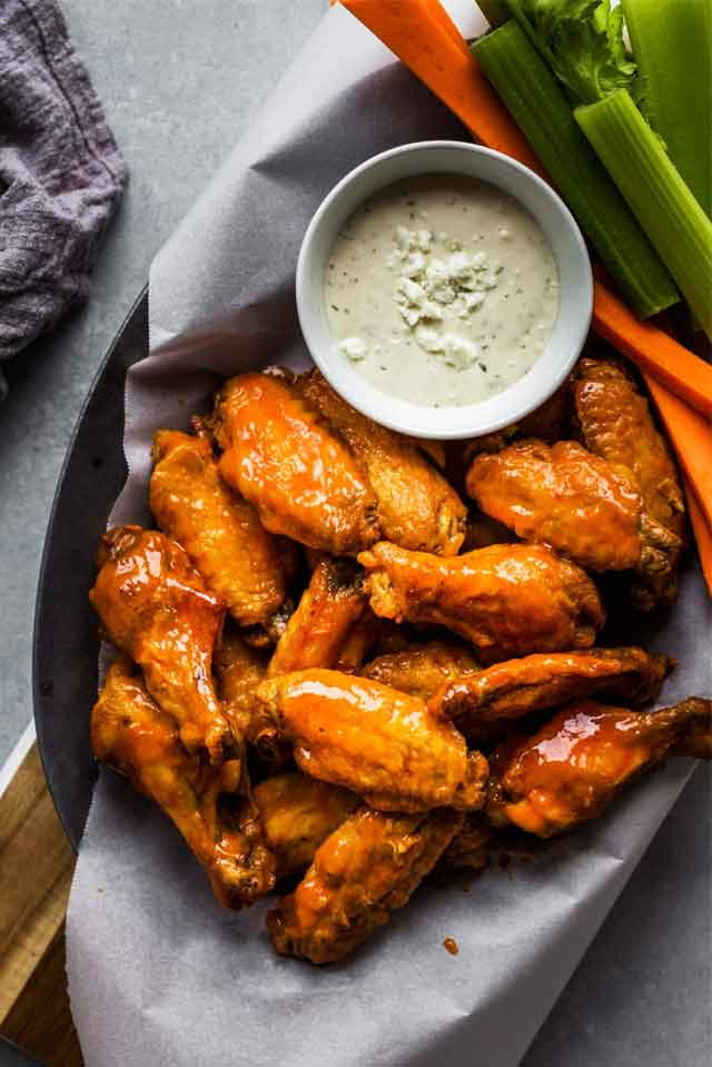 Air Fryer Chicken Wings with Buffalo Sauce Recipe