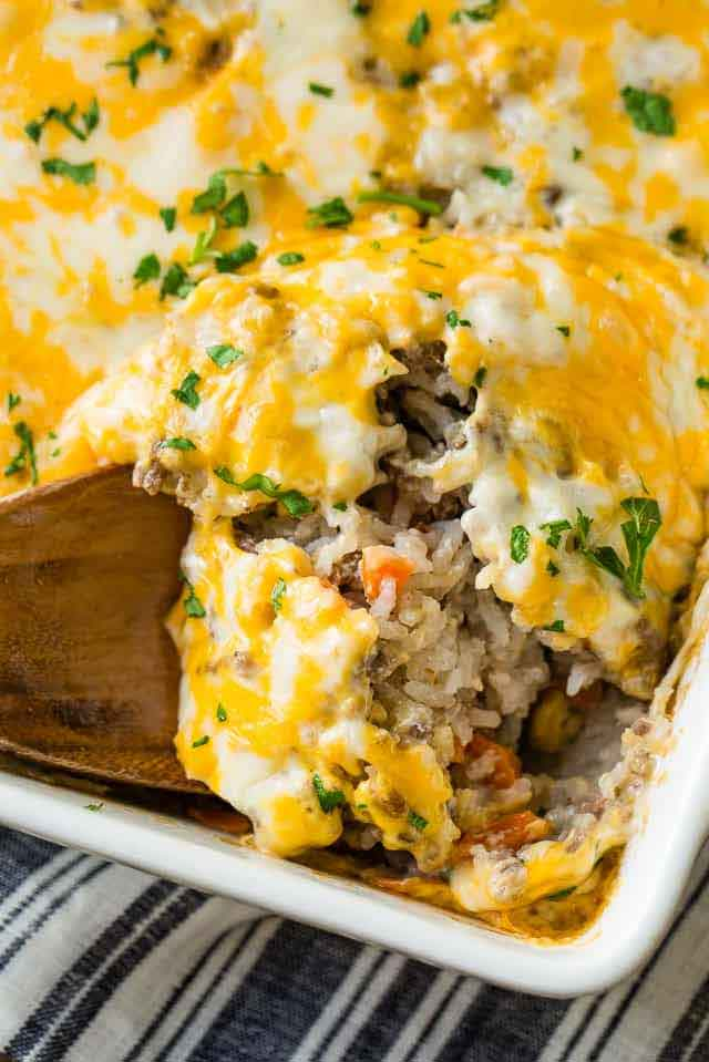 Cheesy Ground Beef and Rice Casserole Recipe