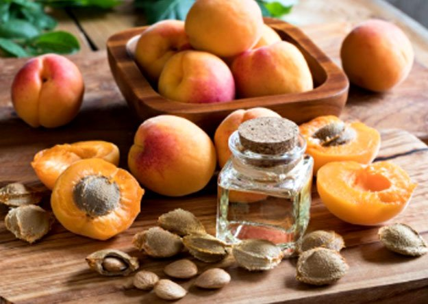 How many apricot seeds should you eat a day?