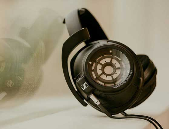 Sennheiser HD 820 Over-Ear Closed-Back Headphones
