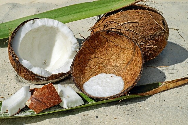 Most asked Questions About The Benefits and Side Effects of Coconut Milk.