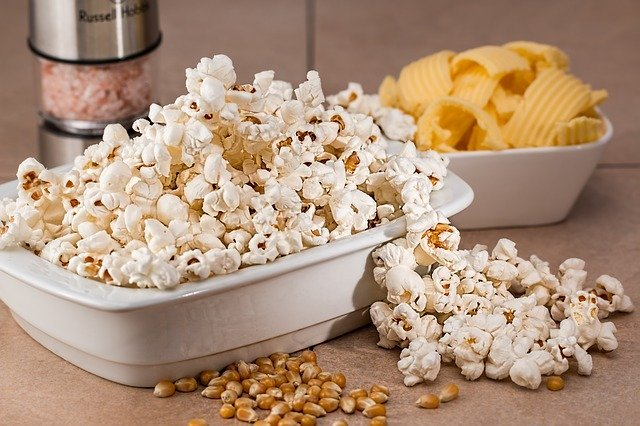 A little bit of Popcorn are Healthy Foods for Losing Weight