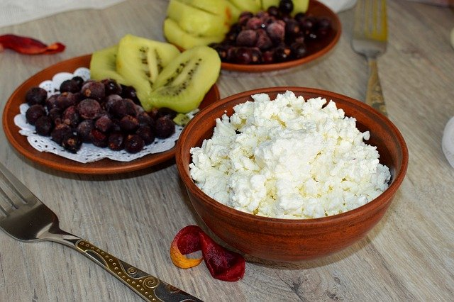 Cottage cheese for healthy breakfast