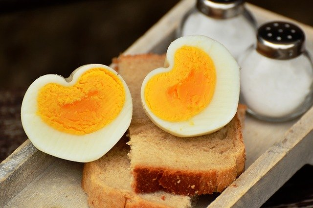 Eggs are Healthy Foods for Losing Weight