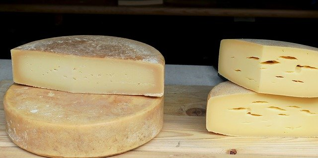 Harzer Cheese is Healthy Foods for Losing Weight