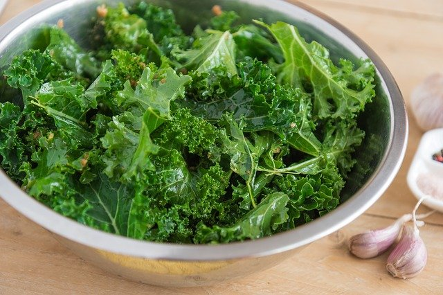 Kale is Healthy Foods for Losing Weight