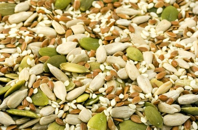 Nuts and Kernels are Healthy Snack Foods for Losing Weight