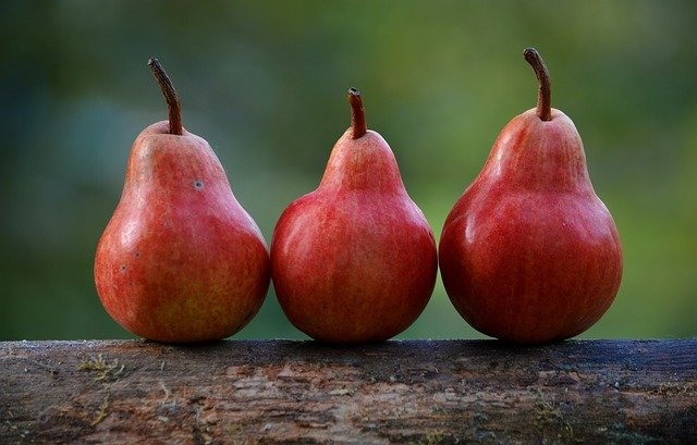 Pears are Healthy Foods for Losing Weight