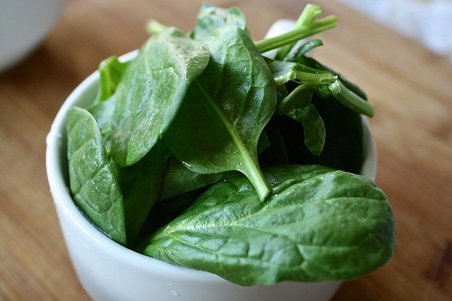 Spinach Is Healthy Foods For Losing Weight