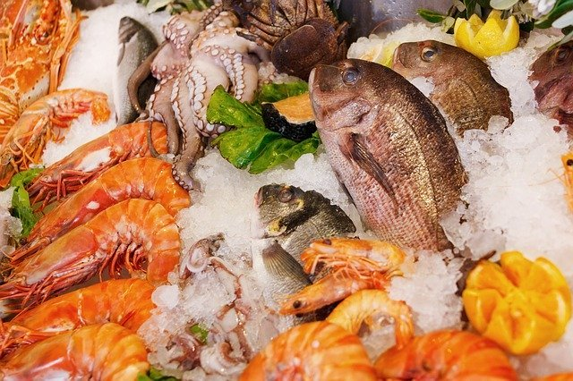 Kinds of seafood are high in iron content.
