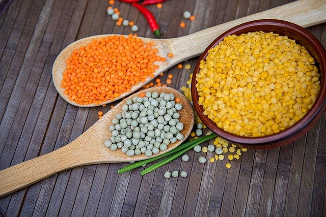Legumes are foods rich in fiber content.