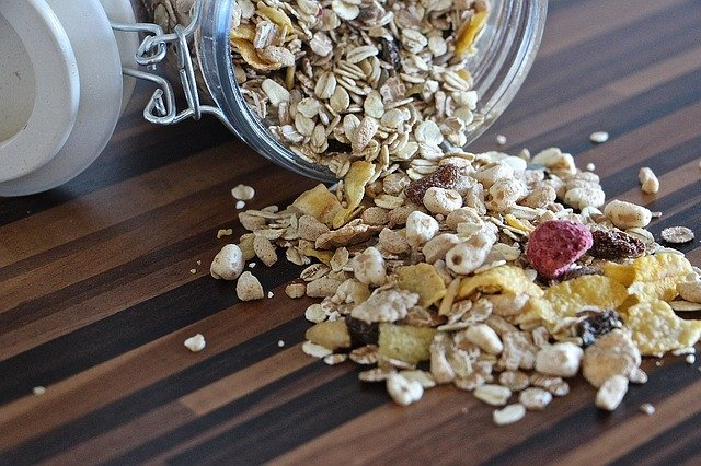 Oatmeal is food with high iron content.