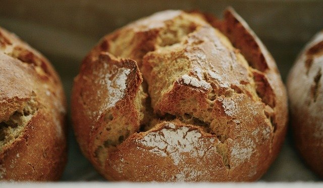 Wholemeal rye bread is high in iron.