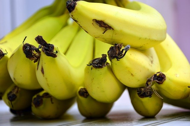 Bananas should always be stored at room temperature.