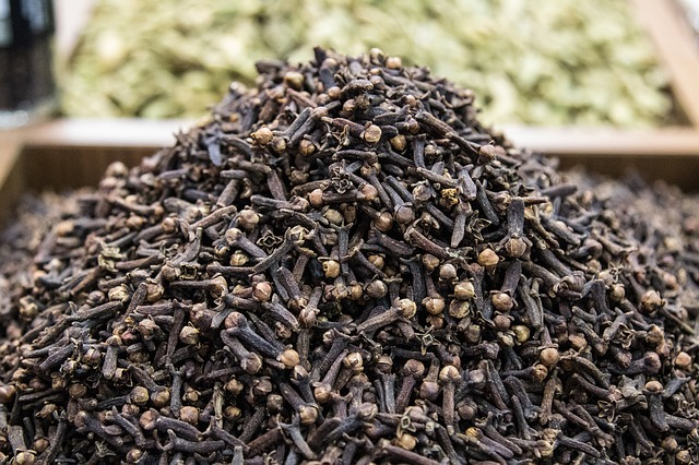 Cloves against toothache