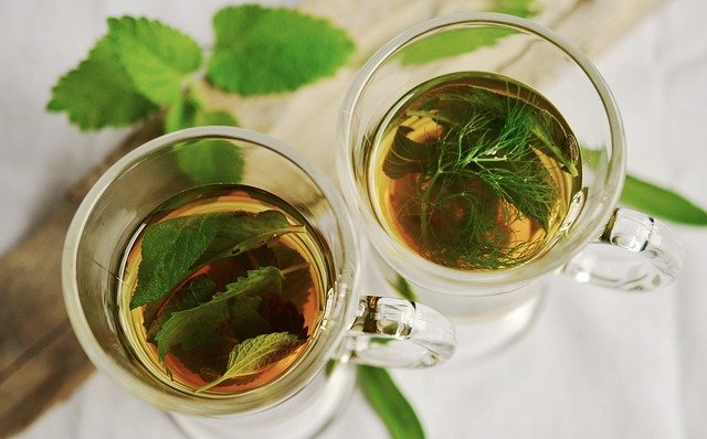 Herbal tea as a mouthwash against toothache