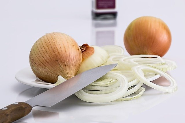 Onion as another household remedy against toothache